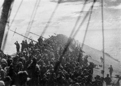 Sinking Of The Edmund Fitzgerald by 1944年 日本海軍の空母 瑞鶴 の乗組員達が沈没寸前に甲板で万歳をする写真 海外の反応 海外のお前ら 海外の反応