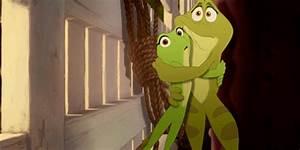 hugging frogs   Tumblr