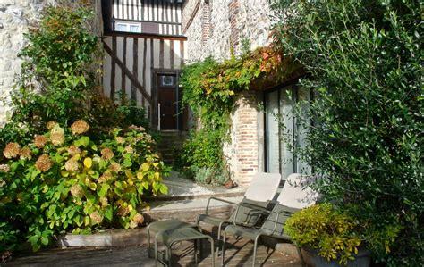 chambre dhote honfleur chambre hotes honfleur location chambres d 39 hôtes de charme à honfleur en normandie la cour