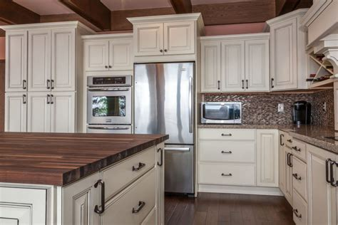 traditional kitchen in congdon area of duluth mn