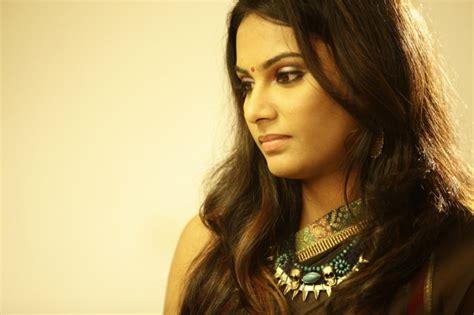 actress lakshmi priya facebook picture 833805 kallappadam movie actress lakshmi priya