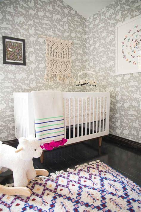 papier peint design chambre davaus idee chambre bebe papier peint avec des