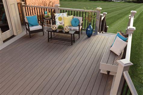 wood composite  pvc  guide  choosing deck materials