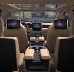 Black Lincoln Navigator 2018