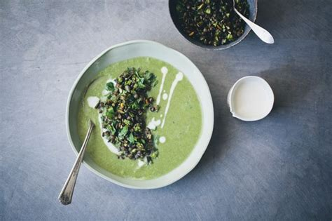 asparagus fennel spinach soup topping green