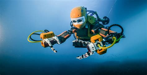 Stanford's Humanoid Robotic Diver Recovers Treasures From