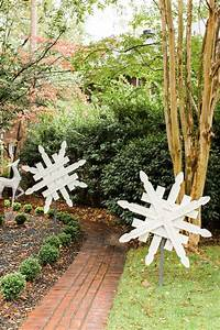 Go, Beyond, Lights, With, These, 18, Christmas, Yard, Decorations