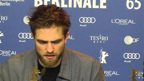 Robert Pattinson Compares LIFE and QUEEN OF THE DESERT ...