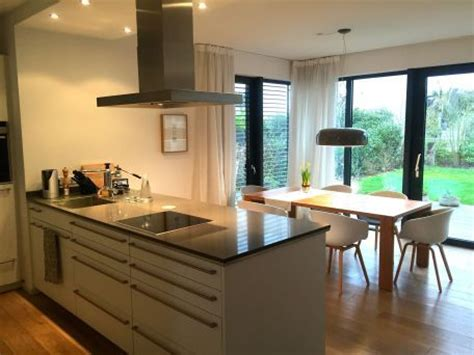 offene küche wohnzimmer bilder die 25 besten ideen zu offene k 252 chen auf hoch tr 228 umen gew 246 lbte decke dekoration
