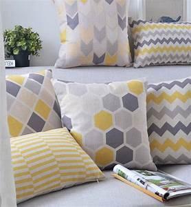Coussin Gris Et Jaune : livraison gratuite mode jaune gris g om trique oreiller ~ Dailycaller-alerts.com Idées de Décoration