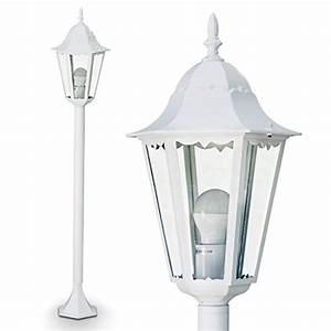 Stehlampe Mit Glasschirm : stehlampen von hofstein und andere lampen f r wohnzimmer online kaufen bei m bel garten ~ Markanthonyermac.com Haus und Dekorationen
