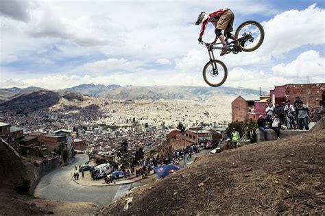 bike jump   Freeride mountain bike, Downhill mtb, Mountain ...