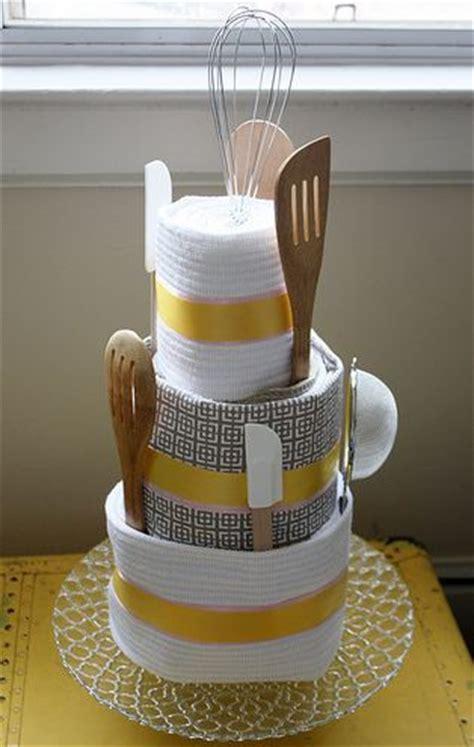 ideias legais de bolo de toalha  cha de panela