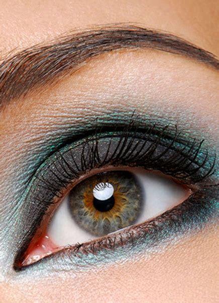 Сероголубозеленые глаза