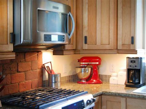 best under cabinet lighting 2017 easy under cabinet kitchen lighting designforlifeden