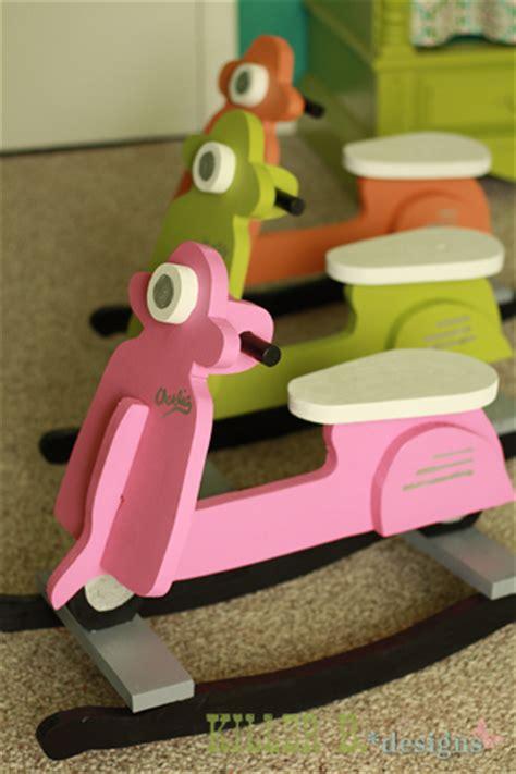 costruire dondolo  bambini  forma  scootervespa