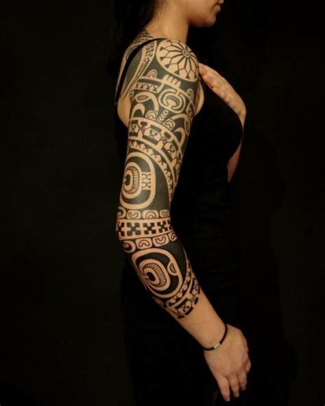 tatouage maorie la tradition devient tendance en  top
