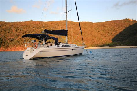 Mooring Boat Overnight by Anchoring Moorings Whitsunday Escape