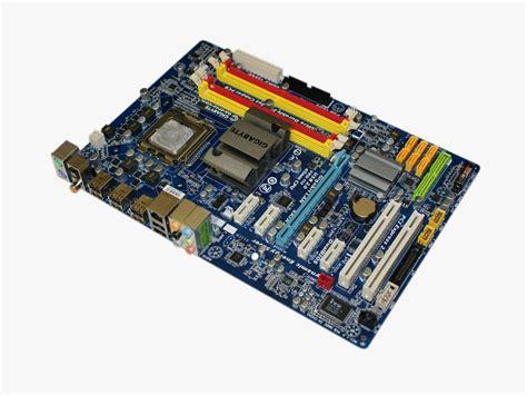 Gigabyte EP45-UD3L - Test: Schnelle Core-2-Platine mit ...