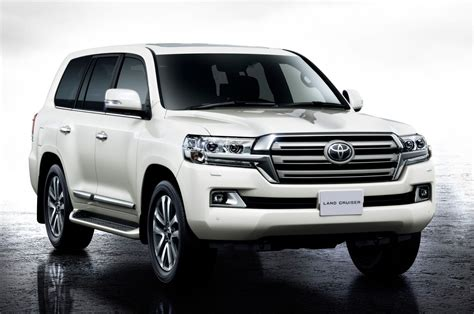 2019 Toyota Land Cruiser Review, Price, Cabin, Release