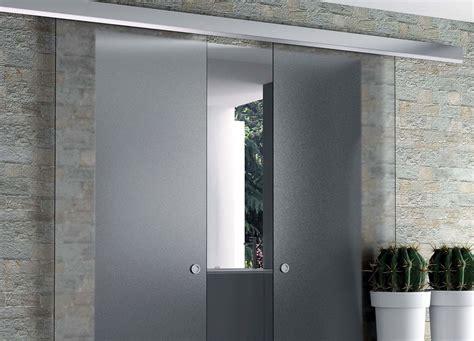 porte de cuisine en bois brut rails pour portes coulissantes eclisse eclisse