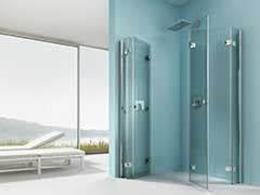 Glasscheibe Für Dusche : bodengleiche dusche mit wegklappbaren glast ren ~ Lizthompson.info Haus und Dekorationen