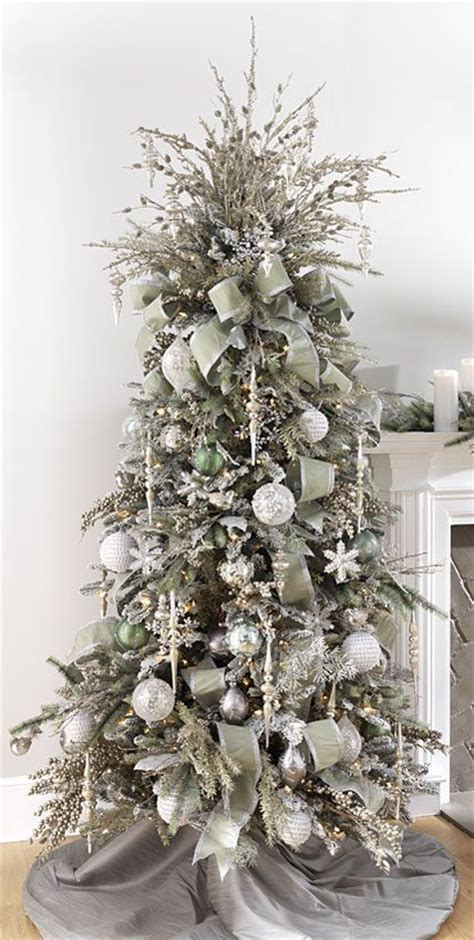 eye catching christmas trees decorations  inspire