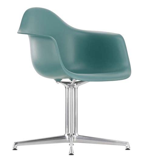 chaise eames vitra eames plastic armchair dal vitra milia shop