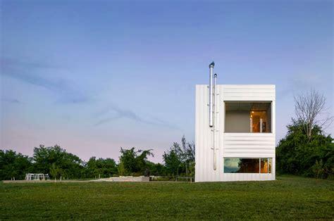 homes interior design ideas modern farmhouse tips its hat to silo style freshome com