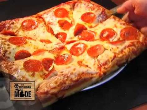 cottage pizza cottage inn pizza made in michigan television spot