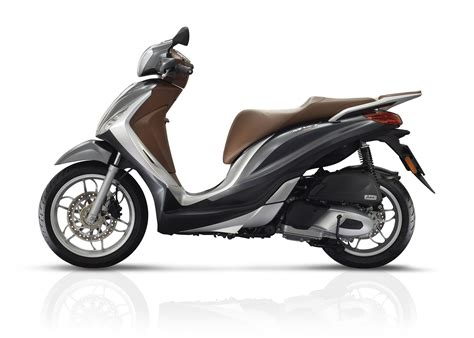 Review Piaggio Medley by Ride Piaggio Medley 125 Review Visordown