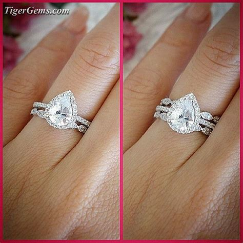 pear shaped engagement ring and wedding band best 25 pear shaped engagement rings ideas on pinterest
