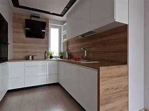 Farbe Für Küchenfronten : wei e grifflose k chenfronten arbeitsplatte und r ckwand in holzoptik k chen pinterest ~ Sanjose-hotels-ca.com Haus und Dekorationen