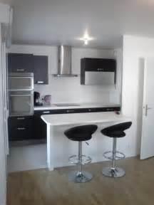 hauteur d une hotte cuisine hauteur d un bar de cuisine mobalpa a conu diffrentes hauteurs de meubles intgrant adapts vos