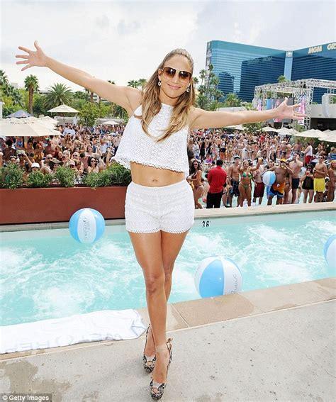 Prince Harry and J-Lo cause a splash at Las Vegas pool ...