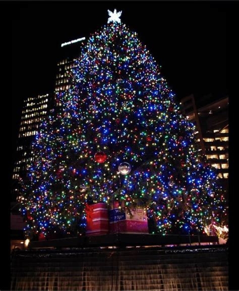 tree lighting ceremony detroit 2017 the 11th annual detroit tree lighting and festivities