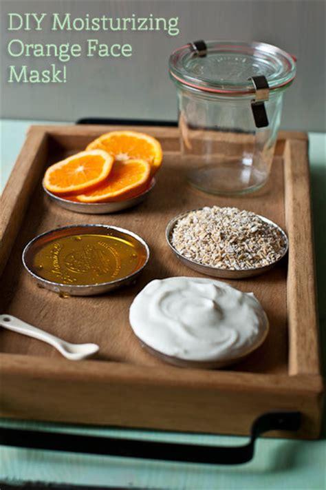 masking cuisine per yourself with a moisturizing orange mask