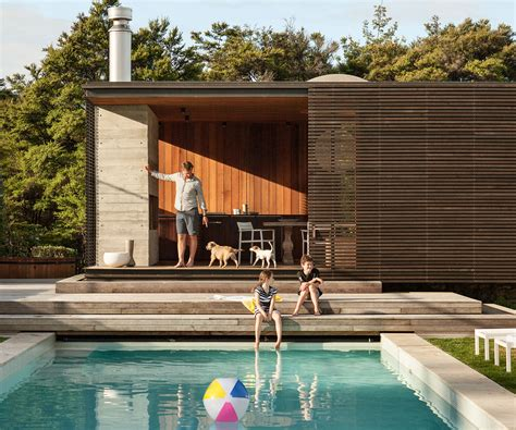 pool house   difference