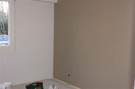 peinture chambre gar輟n peinture blanc beautiful autres vues autres vues with peinture blanc couleur peinture salon blanc parquet clair tapis couleur canap