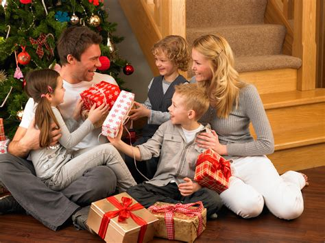 christmas gifts families 5 tips for spending in a large pigeon forge cabin