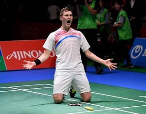 Axelsen wins first Japan Open badminton title
