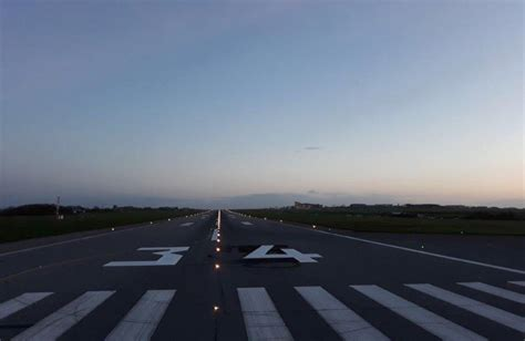 Poles apart: airport has to rename runway   Flight Safety ...