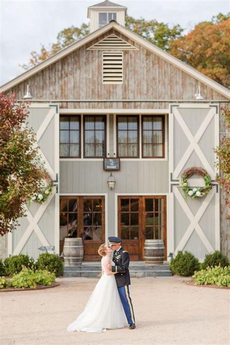 elegant farm barn wedding venue  virginia fall wedding