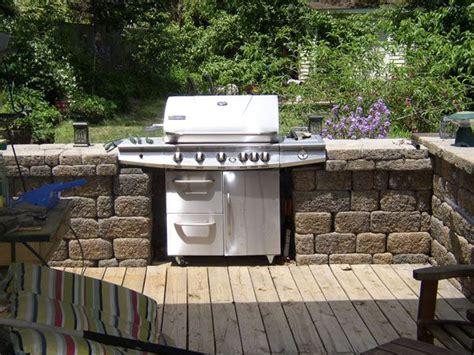 build  outdoor kitchen  work   stand  grill