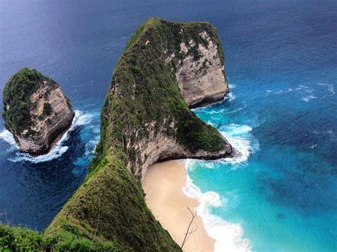 foto  tebing atas kelingking beach nusa penida bli