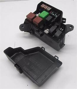 Km510186 01 02 03 Toyota Prius Under Hood Engine Fuse Relay Box Oem