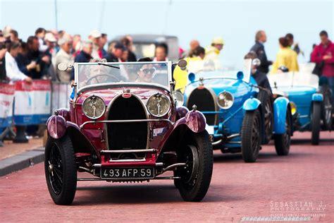 La bugatti présentée est un type 44, dont 1095 exemplaires ont été produits de 1927 à 1930. Bugatti Type 44 Roadster   A 1928 Bugatti Type 44 Roadster (…   Flickr
