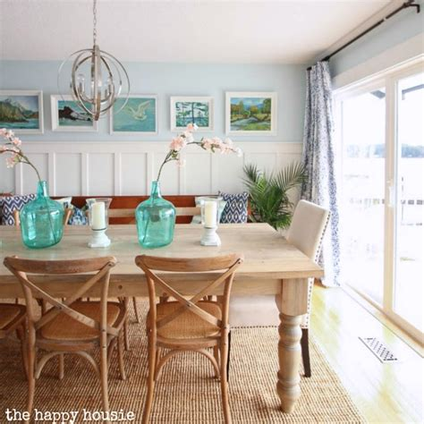 diy bedroom decorating ideas on a budget thrift store vintage painting gallery wall in the dining