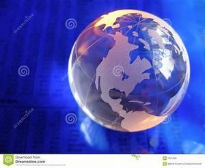 Globe En Verre : globe en verre bleu photo stock image du journal lumi re 1621368 ~ Teatrodelosmanantiales.com Idées de Décoration