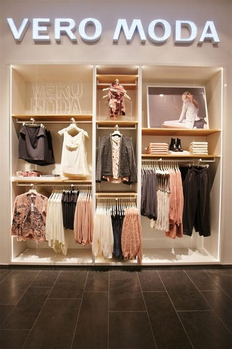 vero moda flagship store  alexa mall  riis retail